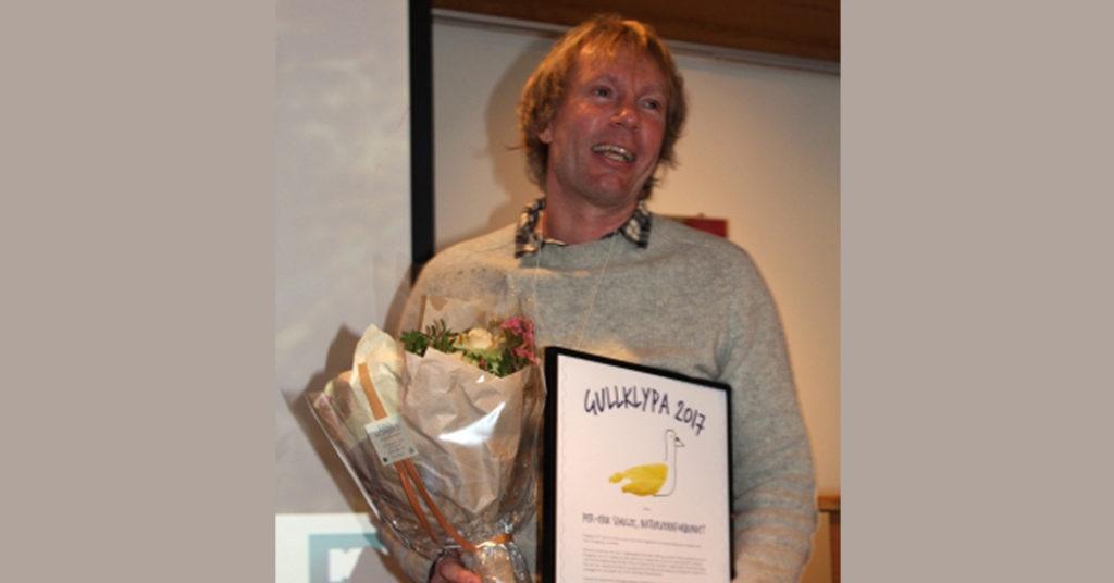 Strandryddingsveteranen Per-Erik Schulze fra Naturvernforbundet var stolt og glad over å bli tildelt miljøprisen Gullklypa 2017.
