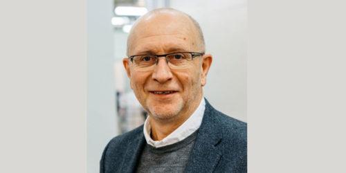 Hans Petter Karlsen, relativt nybakt direktør i Renovasjonsetaten i Oslo, må konstatere at avfallsinnsamling på to skift gir mange utfordringer.