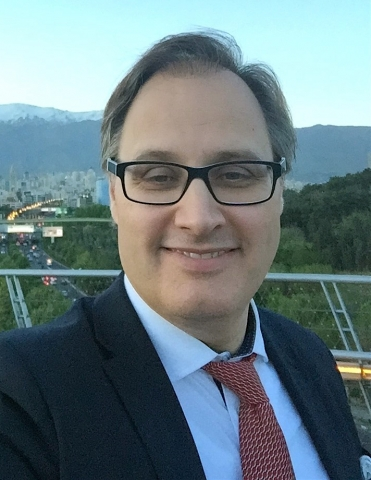 Tony Clark, vd i Avfall Sverige, karakteriserer forbrenningsskatten som en ren fiskal skatt, ikke en miljøavgift.