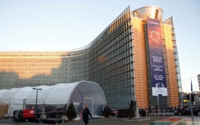 Berlaymont-bygningen i Brüssel hvor Europakommisjonen har sitt hovedsete er i disse dager preget med den nye kommisjonens slagord: For a union that stives for more