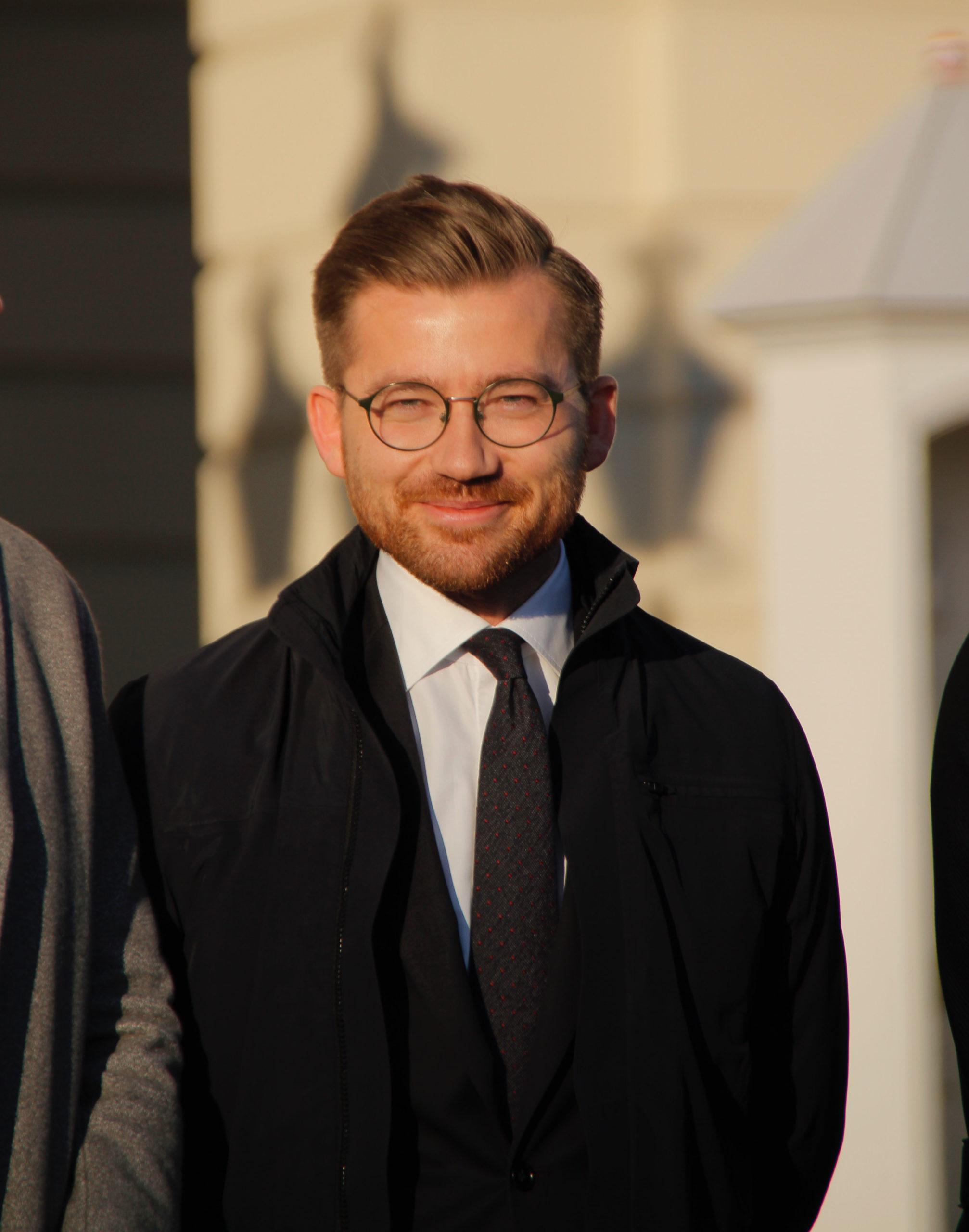 Sveinung Rotevatn var tidligere Ola Elvestuens statssekretær. Nå blir han Elvestuens arvtaker.
