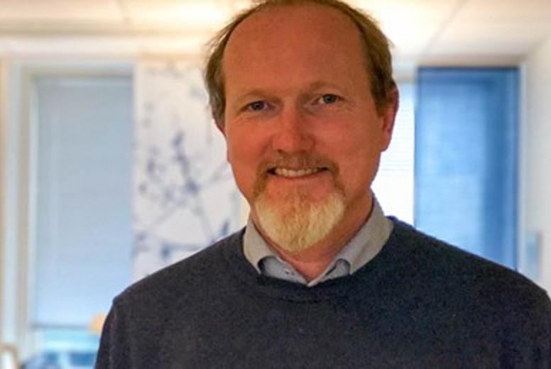 Svein Kamfjord i KS Bedrift Avfall mener kommunene i lang tid har påtatt seg altfor store kostnader for fraksjoner som omfattes av produsentansvar.
