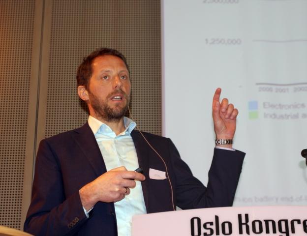 Christian Rosenkilde i Hydro mener det er mulig å etablere en lønnsom gjenvinning av elbil-batterier i Norge.