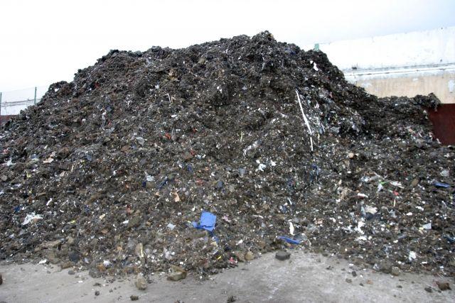 Arp mente også at selve gjenvinningsprosessen – blant annet av plast fra biler – også førte til at bromerte flammehemmere ble spredt til luft. Bildet viser fluff fra en biler som har vært gjennom en shredder.