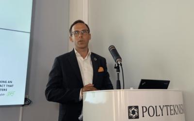 Anders Magnus Løken, director i Deloitte, presenterte potensialer og barrièrer for overgang til sirkulær økonomi på Avfall Norges Sirkulær21-konferanse. Snart kommer også en rapport om virkemidler.
