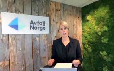 DIREKTØR PÅ DIREKTEN: Høstmøtet ble sendt digitalt fra Avfall Norges studio. Cecilie Lind presenterte blant annet det nye politiske programmet til organisasjonen.