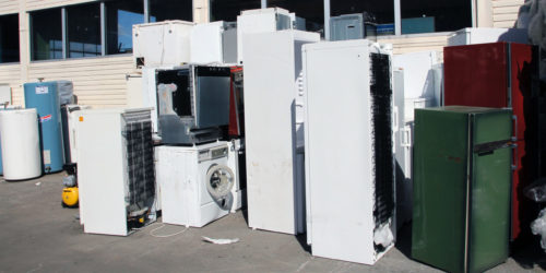 De nye reglene vil gjøre det svært vanskelig å hente ut innlevert EE-avfall uten godkjenning.