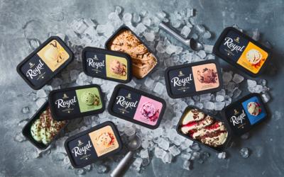 Diplom-Is beholder svart som farge på sin emballasje til Royal is. Men det skjer altså ved hjelp av et fargestoff som gjør boksene sorterbare.