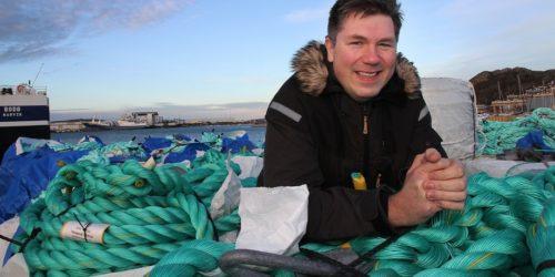 REKORDÅR: Etter to magre år for Nofir ble 2020 et rekordår for innsamling og gjenvinning av oppdrettsnøter og annen fiskeredskap. Men daglig leder Øistein Aleksandersen forteller at strengere regler for eksport av plast skaper mye ekstraarbeid. Foto: Nofir.