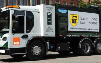 IKKE BILLIG: Sarpsborg var først i landet med elektrisk avfallsinnsamling da denne bilen ble satt i drift i 2017. Det er økonomiske grunner til at dette ikke siden har slått om seg.