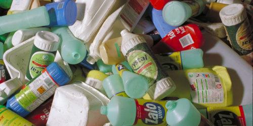 Fukt og tap i produksjonsprosessen reduserer fjorårets mengde plastemballasje til gjenvinning med 27%, ved innføring av nytt målepunkt.