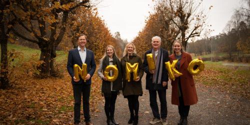 FEMÅRINGER: Fra venstre mot høyre Sverre Valde, Guro K. Milli-Solheim, Mirja Ottesen, Eirik Wormstrand og Kristin Runde. Foto: Line Schibstad.